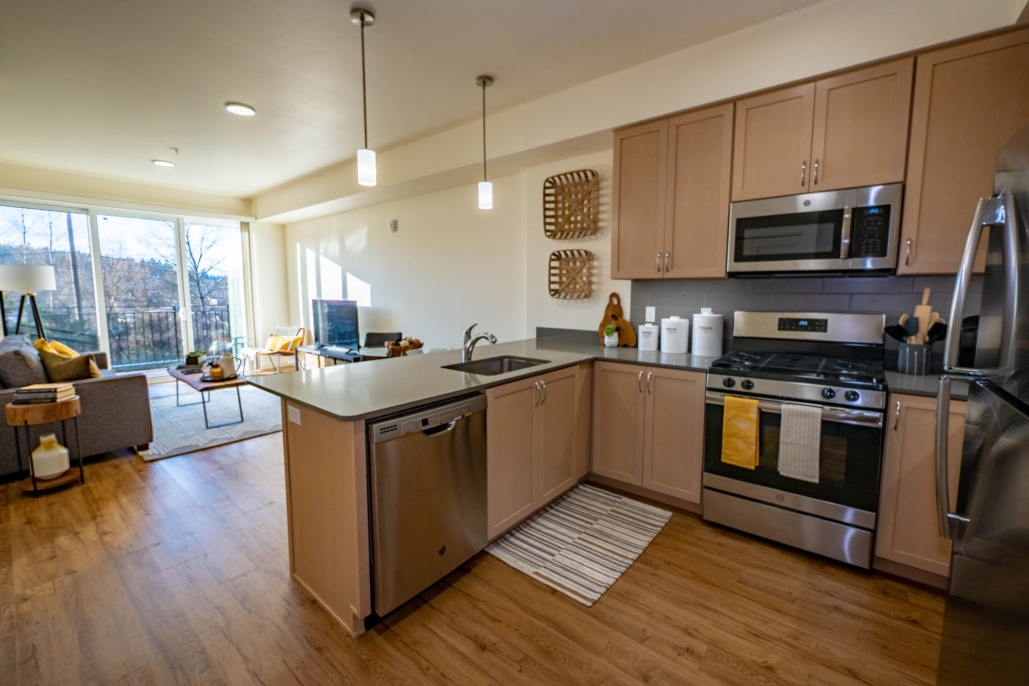 Apartments for Rent in Eugene - Amazon Apartments Kitchen