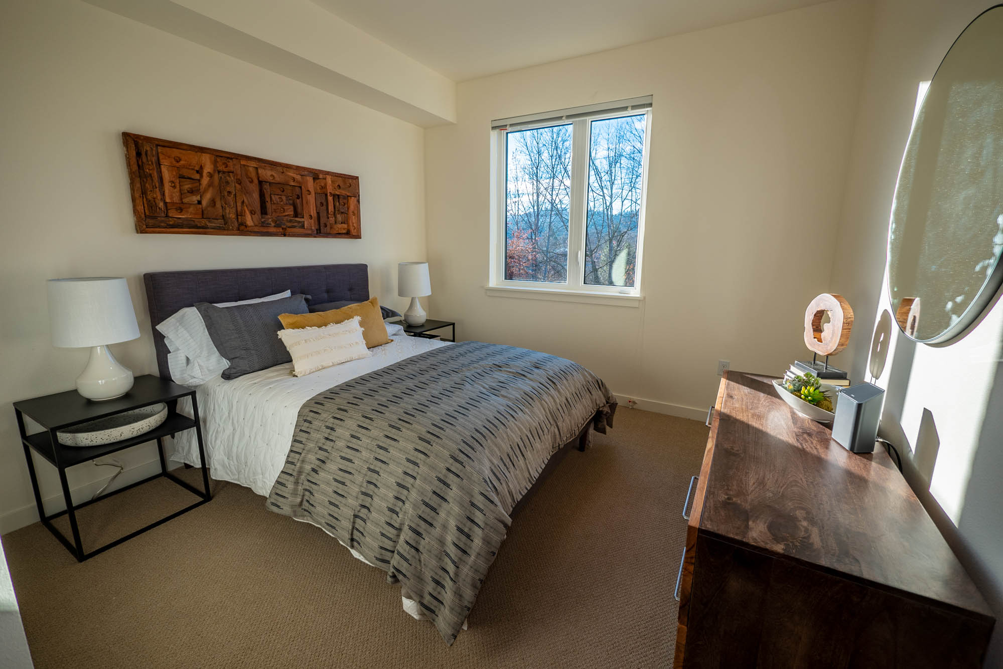 Eugene Apartments for Rent - Amazon Apartments Bedroom